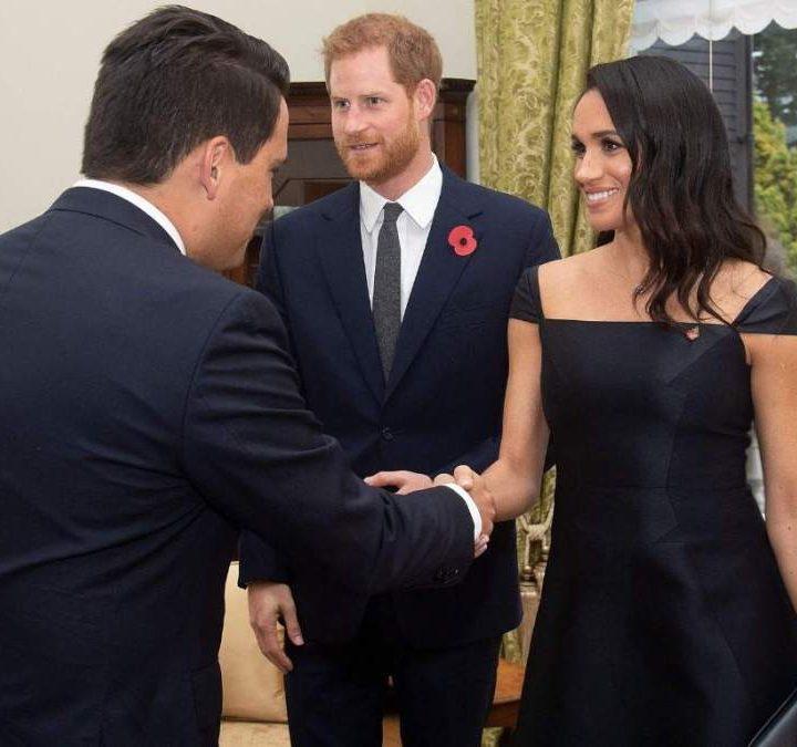 El príncipe Enrique y Meghan inician en Nueva Zelanda la última etapa de su gira